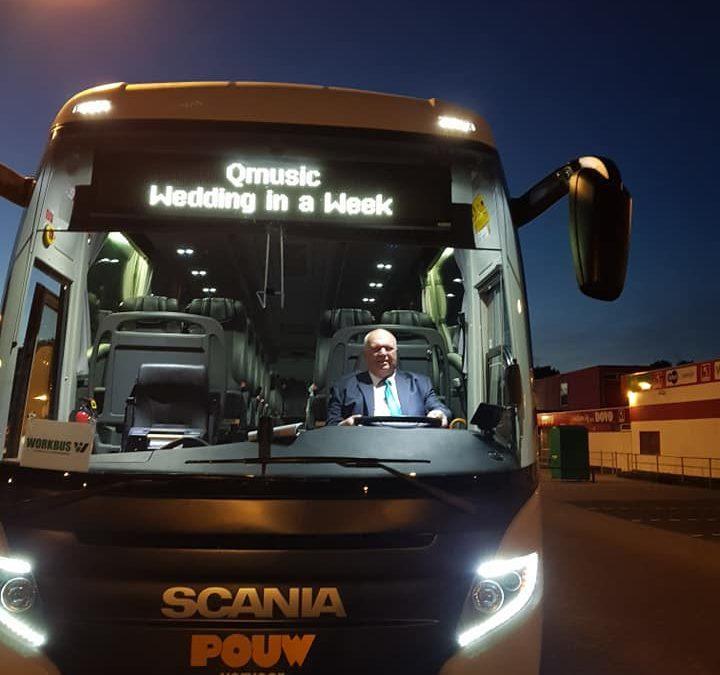 Wat doe je als Qmusic een buschauffeur zoekt? Je belt ze op!